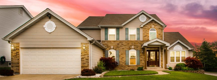 What are the pros and cons of an HOA