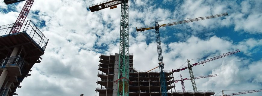 Why is Tempe the epicenter of commercial real estate projects in Metro Phoenix?